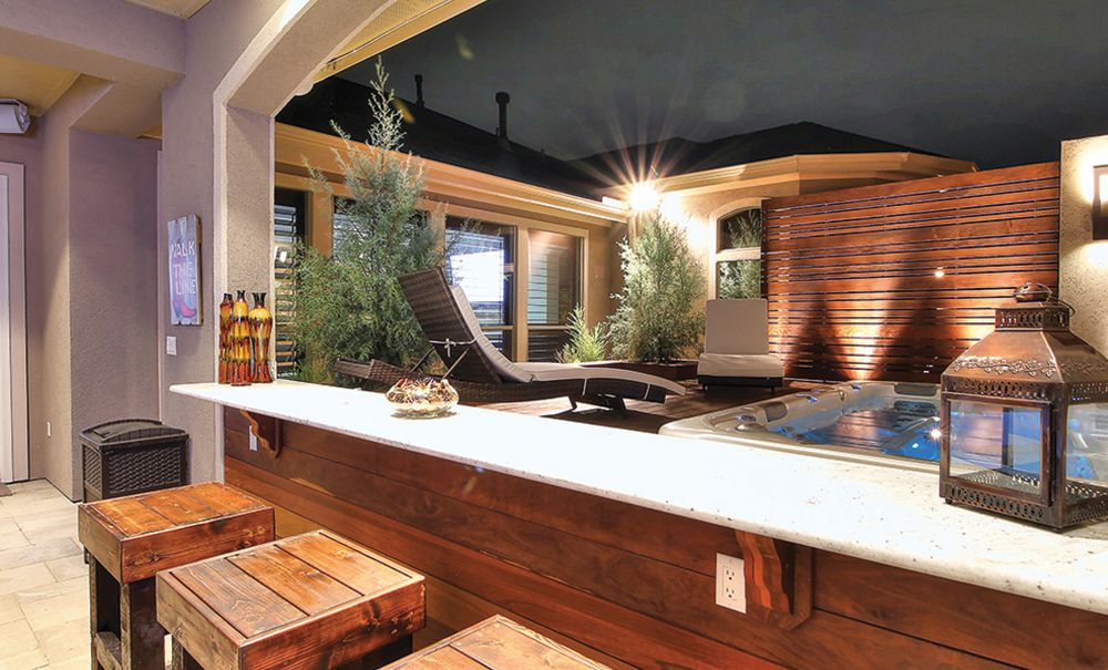 Hot Tub, Haute Look