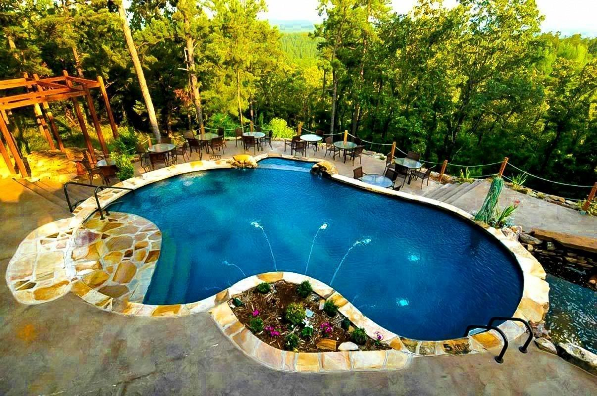 Tlc outdoor living is the best luxury pool builder in for Top pool builders