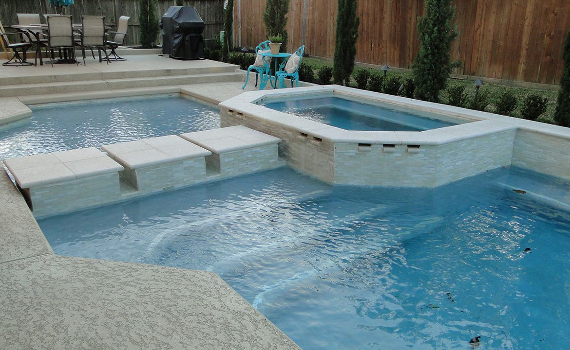 Why Fall Is The Best Season To Install Your Swimming Pool?