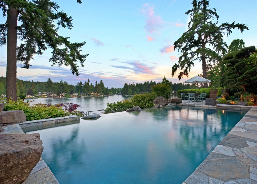 What is the most suitable swimming pool shape?